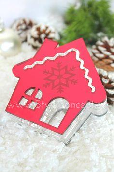 #2019 #gift #luxurygift #plexiglass #house Μια ιδιαίτερη σειρά χειροποίητων διακοσμητικών, ειδικά σχεδιασμένων με γιορτινά μοτίβα. Κατάλληλα και για επαγγελματικά δώρα.  ΧΑΡΑΚΤΗΡΙΣΤΙΚΑ: Διακοσμητικό γιορτινό σπίτι plexiglass κόκκινο με λεπτομέρειες σε ασημί καθρέπτη και τους αντίθετους χρωματισμούς στην πίσω όψη. Ενδιάμεσα διάφανο plexiglass. Διαστάσεις 10cm x πάχος 2,6cm x Ύ 10cm. Birthday Candles, Cookies, Desserts, Food, Crack Crackers, Tailgate Desserts, Deserts, Biscuits, Essen