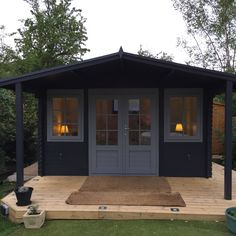What a stunning log cabin that Clive has got in his garden! That is such a wonderful paint job! shed design shed diy shed ideas shed organization shed plans Shed Office, Backyard Office, Backyard House, Backyard Studio, Backyard Sheds, Garden Studio, Garden Office, Summer House Garden, Summer House Decor