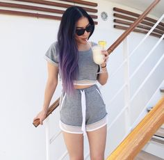Loving Stephanie Villa aka Soothingsista's hair! Really want to do the purple ombre when my hair gets longer.