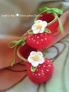 Crochet the New Baby Booties. Crochet the New Baby Booties. - Knitting works include the time . Crochet Baby Boots, Baby Girl Crochet, Booties Crochet, Kids Crochet, Baby Slippers, Crochet Slippers, Baby Patterns, Crochet Patterns, Crochet Ideas