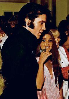 ♡♥On August 29th,1969 Elvis & Priscilla attend a Barbra Streisand concert in Las Vegas,NV♥♡