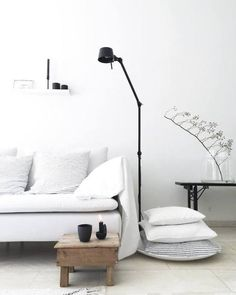 TONONE LAMP: BOLT FLOOR 2ARM - black MaisonsBlanches | credit: jtjejtje Silver Blonde, Flat Lay Photography, Hygge, Home And Living, Flooring, Modern, Design, Home Decor, Classy