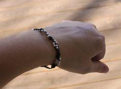 #DIY Beaded and Knotted Leather Cord Bracelet - com fecho ajustável- do blogue Sometimes Homemade