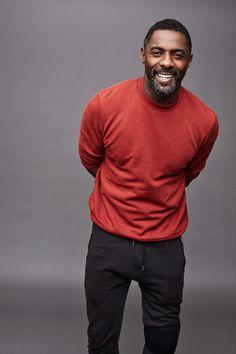 Idris Elba showing us a smiley face wearing a Red sweatshirt Gorgeous Black Men, Beautiful Men, Idris Elba Wife, Idriss Elba, Moda Blog, Black Actors, Male Poses, Stylish Men, Sexy Men