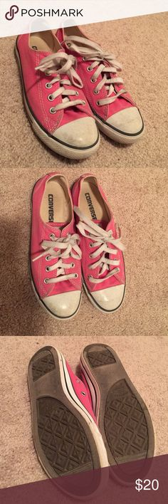 Pink/Coral Converse⭐️ These converse have been worn but have definitely not been worn out! They are still in very good condition. They have a couple of marks but what converse don't? Send in offers!❤️ Converse Shoes Sneakers