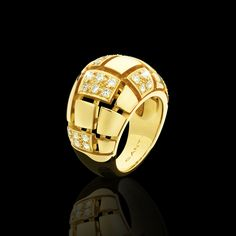 Cubism in yellow gold