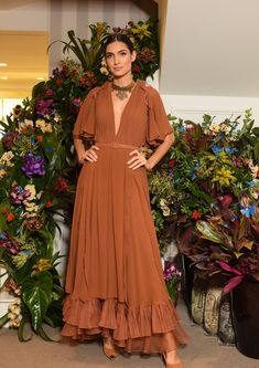 Women Travelers Inspire Sandro Barros' Summer 2019 Source by voguebrasil Modest Dresses, Modest Outfits, Modest Fashion, Hijab Fashion, Day Dresses, Glamorous Evening Dresses, Maxi Robes, Mode Chic, Sandro