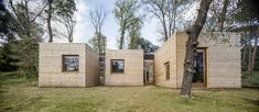 Six south-facing timber boxes protrude from this eco-friendly house in Spain by Alventosa Morell Arquitectes. Affordable Prefab Homes, Modern Prefab Homes, Architecture Design, Beautiful Architecture, Prefab Cabins, Energy Efficient Homes, Passive House, Timber House, Eco Friendly House
