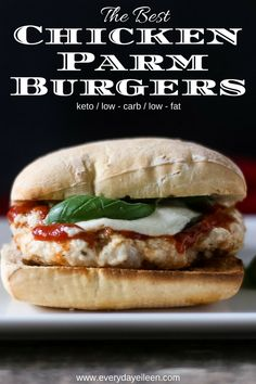 Love Chicken Parmesan, This Chicken Parm Burger Is Super Flavorful And Topped With Fresh Basil, Marinara Sauce, And Fresh Mozzarella Ready In 8 Minutes Via Everydayeileen Burger Recipes, Grilling Recipes, Lunch Recipes, Cooking Recipes, Healthy Recipes, What's Cooking, Fish Recipes, Delicious Recipes, Keto Recipes