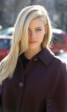 Nicola Peltz hot on actressbrasize.com  http://actressbrasize.com/2014/06/30/nicola-peltz-bra-size-body-measurements/