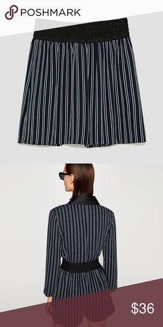 NWT ZARA STRIPED SATIN BERMUDA SHORTS L Satin Bermuda shorts with striped print. Contrasting stretch waist. Side pockets.  HEIGHT OF MODEL: 178 cm. / 5′ 10″  TOP NOT INCLUDED Zara Shorts Bermudas