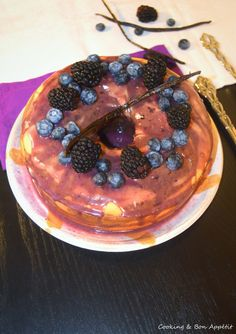 Marble cake - Vanilla, Blackberry, Blueberry