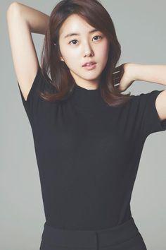 Park Se Wan (박세완) Pretty Girls, Cute Girls, Just Dance, Sport Girl, Korean Beauty, Gorgeous Women, Actors, T Shirts For Women, Lady