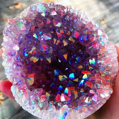 573 Likes, 8 Kommentare - 💜🌙αмєтнуѕт gєєкєє ( . Cool Rocks, Beautiful Rocks, Crystal Magic, Crystal Healing, Quartz Crystal, Minerals And Gemstones, Rocks And Minerals, Crystal Aesthetic, Mineral Stone
