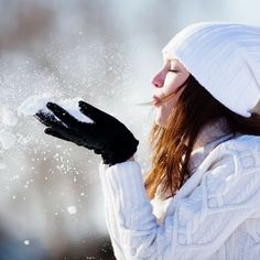 It's very easy to forget about sun protection when it's bitterly cold outside. We've all done it, and we've all paid the price. Don't miss these great tips and product recs for your winter skin care routines!