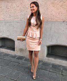 Schickes rosa kurzes Kleid. Anlass standesamtliche Hochzeit