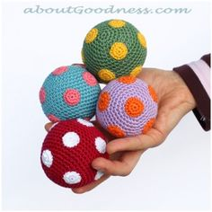 Step by step  tutorial of how to make crochet  Joggling Balls and Hot Air Balloon baby mobile from aboutgoodness.com