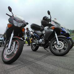 #trip #to #the #Brno #pokus #o #rekord #na #masarykove #okruhu #yeah #Great #day #3656 #motorek #motosraz #Honda #varadero #125 #no #filter #výlet #instaphoto #instasize #doblevaradero #Black #and #silver #motorcycle by sibanek