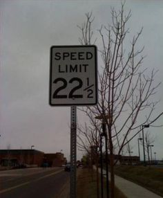 funny signs 12 Signs: Read em and weep (26 photos)