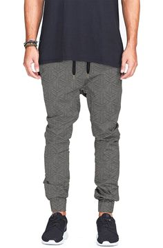 20 Dope Streetwear Brands You Should Know About in 2015 Athleisure Fashion, Streetwear Fashion, Streetwear Brands, Teenage Boy Fashion, Joggers Outfit, Fresh Outfits, 2015 Trends, Gym Style, Urban Fashion