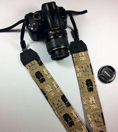 Tracolla per fotocamera SLR, DSLR, imbottita, in cotone ecrù con gattini giapponesi maneki neko. Tracolla fotocamera stile japan kawaii