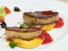 Muchas personas sienten verdadera pasión por el foie, ¿cómo lo introduces en tus platos en el día a día? Apunta estas recetas que te proponemos Steak, Pork, Dishes, Things To Make, People, Kale Stir Fry, Pigs, Steaks