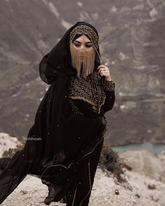 Image may contain: one or more people and outdoor Arab Girls, Arab Women, Niqab Fashion, Boho Fashion, Arabian Beauty Women, Tribal Face, Aesthetic Women, Tribal Looks, Face Jewellery