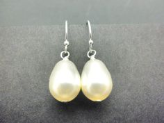 Teardrop pearl earrings // pearl drop // Swarovski // sterling silver // white or ivory pearls // bridal