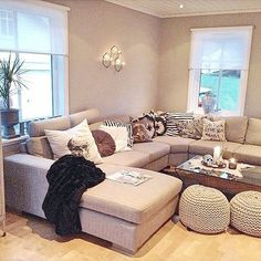 Want this style couch for my living room Cozy Living, My Living Room, Home And Living, Living Room Decor, Living Spaces, Small Living, Living Room Inspiration, Home Decor Inspiration, Pillow Inspiration