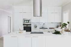 Puustelli Jyväskylän asuntomessuilla Home Projects, Interior Design, House, Home Kitchens, Interior, White Kitchen, Kitchen Design, Home Decor, Kitchen Cabinets