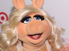 Our Exclusive One-on-one Interview with Style Icon Miss Piggy