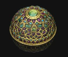 A gem-set gold hair ornament, probably South India, 19th century
