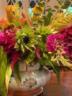 Flower Centerpieces, Glass Vase, Table Decorations, Flowers, Plants, Home Decor, Decoration Home, Room Decor, Plant