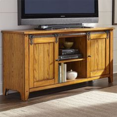 Center your living room around the Liberty Furniture Industries Lake House TV Stand for charming, farmhouse style. Two sliding barn doors let you. Entertainment Furniture, Home Entertainment, Tractor Room, Howell Furniture, Barn Style Sliding Doors, Barn Doors, Liberty Furniture, Flat Panel Tv, Quality Furniture