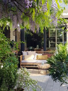 De leukste tuinen uit onze binnenkijkers The best gardens from our inside view - Everything to make Outdoor Spaces, Outdoor Living, Outdoor Decor, Dream Garden, Home And Garden, Contemporary Garden, Shade Garden, Bamboo Garden, Garden Planning