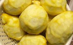 E dopo aver fatto il limoncello cosa ce ne facciamo dei limoni? Lo sciroppo di limoni!