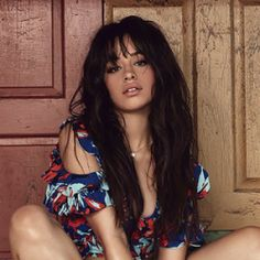 Camila Cabello got candid about her struggle with anxiety on Sunday afternoon, as romance rumors with Shawn Mendes heat up. For weeks now Cabello Camilla, Cabello Hair, Beautiful People, Beautiful Women, Rides Front, Fifth Harmony, Female Singers, Shawn Mendes, Cute Hairstyles