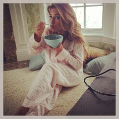 This chick - I want to hang out with her! Jessie James Decker