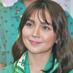 Short Hair With Bangs, Hairstyles With Bangs, Short Hair Styles, Kathryn Bernardo Hairstyle, Amelia Zadro, Filipina Actress, Fringe Bangs, Cant Help Falling In Love, Queen B