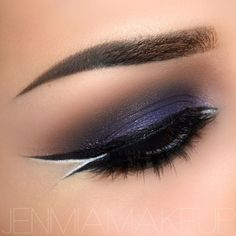 DOUBLE LINER -- Dramatic eye makeup with a double liner and a pop of white on the outer corner!