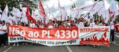 CARLOS  -  Professor  de  Geografia: Ofensiva no Congresso tenta evitar votação hoje do...