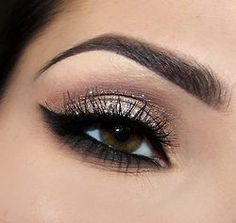 I miss the days of having places to go to wear makeup like this :(   Makeup Lovers Unite!: Archive