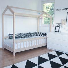 Kidsroom inspiration, housebed, monochrome