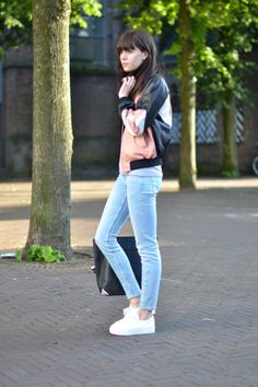 outfit flatform sneakers leather bomber jacket