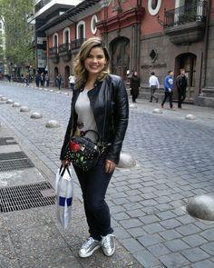 👯Compras no centro❤  #chile #santiago #amormeu #instamoda #style #Lojademoda #boutique #Caruaru #Recife #Passira #RafaelaSantiago #exclusivo #diva #job #blogueira #blogger #blogueiras #blogueirasrecife #fashion #fashionista #fashionblogger #instafashion #ootd #lookdodia #look #selfie #ootn #instablogger