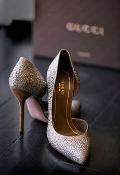 { Gucci } I've always thought I would want to wear Louboutins if I get married...but......these are so beautiful. I'll cross that shoe bridge when I come to it ;)