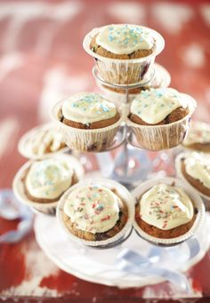 Me Gusta magdalena Mini Cupcakes, Chocolate Recipes, Sweets, Baking, Desserts, Food, Kitchen, Tailgate Desserts, Deserts