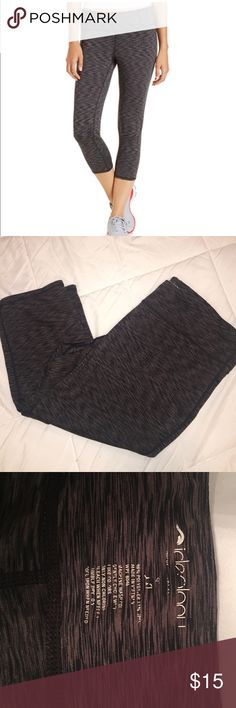 Ideology Space Dye crop yoga pants Ideology space dyed leggings! Super comfortable and breathable! The size has worn on the inside tag but it is a XXL. I'm 5'3 and they hit me at mid calf. They are too big for me now. No piling in the crotch Ideology Pants Leggings