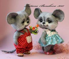 Needle felted mice by Tatiana Barakova.