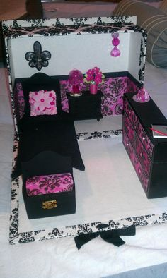 Another take on a Monster High bedroom